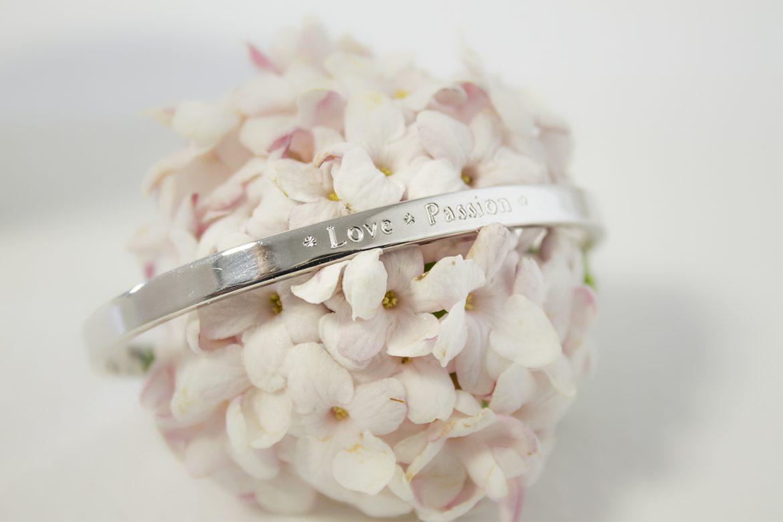 saint valentin quel bijou choisir pour sa copine blog bijoux personnalis s petits tr sors. Black Bedroom Furniture Sets. Home Design Ideas