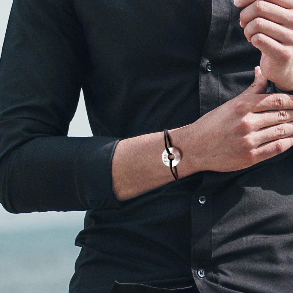 f te des p res 10 bracelets personnaliser et offrir. Black Bedroom Furniture Sets. Home Design Ideas